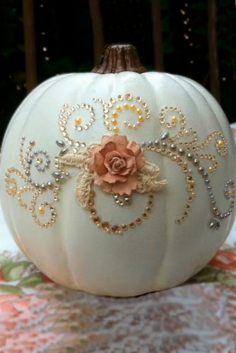 Halloween Decoration Ideas with Cute Pumpkins picture 2