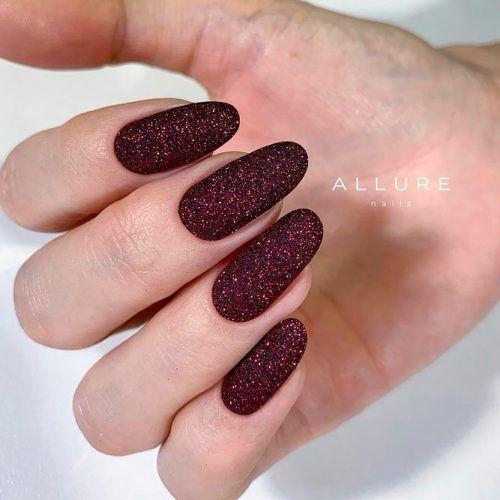 Glittery Nails #burgundynails #glitternails