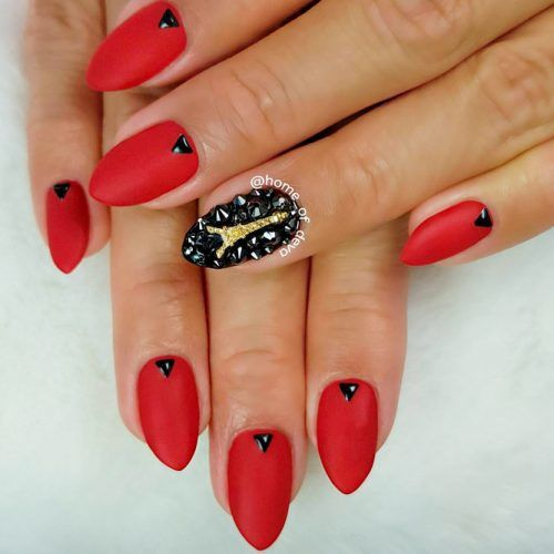 Elegant And Chic Red With The Eiffel Tower Art #mattered #rhinestonesnails