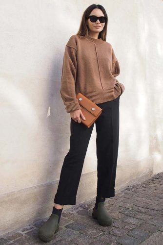 Black Trousers With Oversize Sweater Outfit #blacktrousers