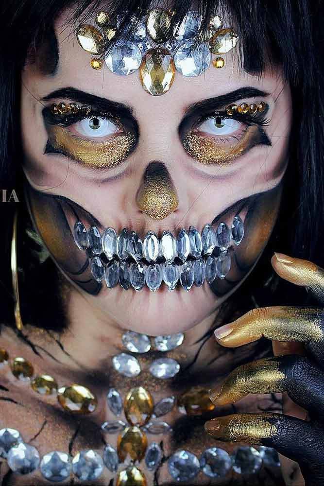 Greed Skeleton Halloween Make Up Idea