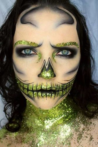Green Glitter Skull Halloween Make Up