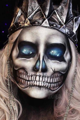 Skeleton Queen Makeup Idea #queen #faceart