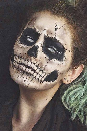 Halloween Makeup Ideas You Should Try picture 2