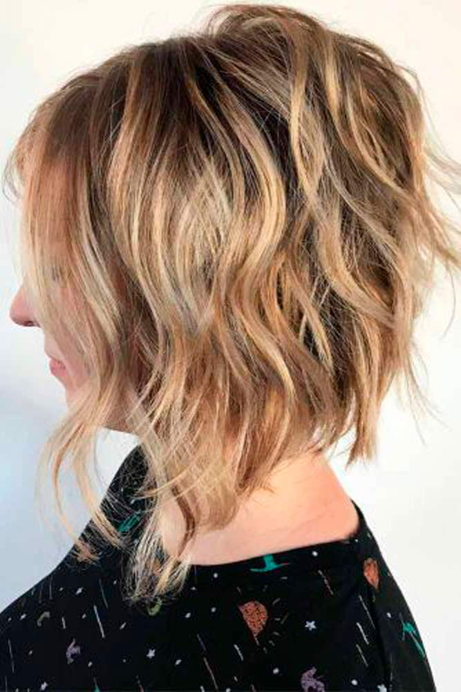 Short Wavy Inverted Bob #wavyhair #blondehair