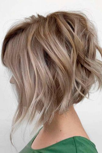 Bronde Bob With Wavy Layers Throughout #wavyhairstyles #brondehair