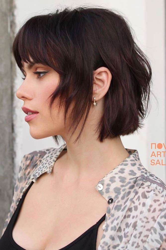 Choppy Chin-Length Bob With Bangs #prettyhairstyles #stylishhairstyles