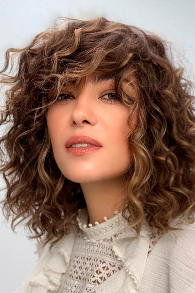 Curly Shoulder-Length Lob With Long Bang #curlyhair #longbob