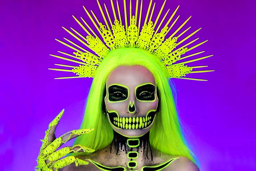 Really Cool Skeleton Makeup Ideas To Wear This Halloween