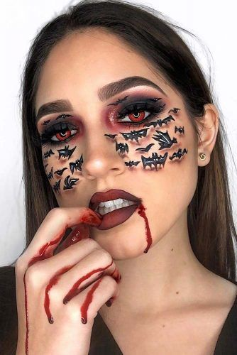 Vampire Makeup With Bats Art #bats #bloodylips
