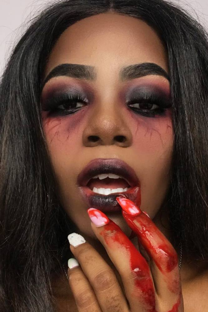 Vampire Makeup Idea With Black Smokey Eyes #blacksmokey #blood