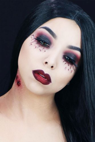 Sexy Vampire Makeup Ideas picture 4