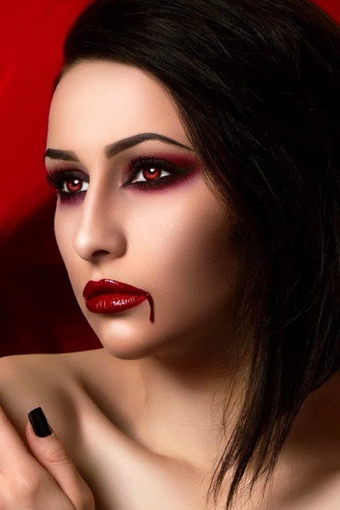 Pretty Vampire Halloween Makeup Ideas picture 6