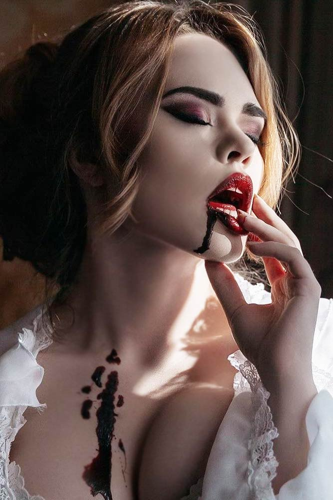 Sexy Vampire Makeup Idea #sexyvampire