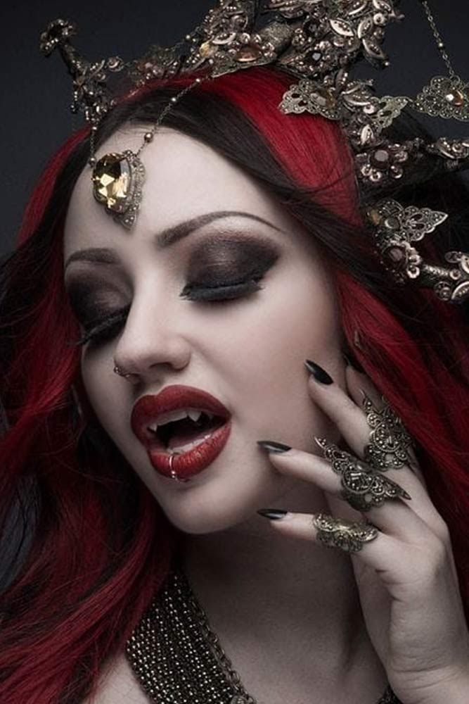 Glam Vampire Makeup Idea #vampirequeen