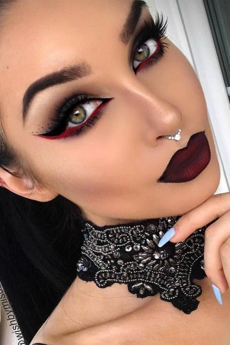 Pretty Vampire Halloween Makeup Ideas picture 2