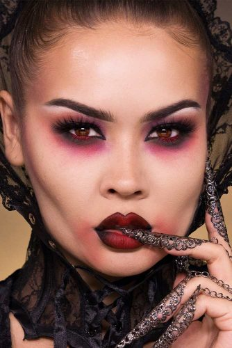 Sexy Vampire Makeup Ideas picture 5