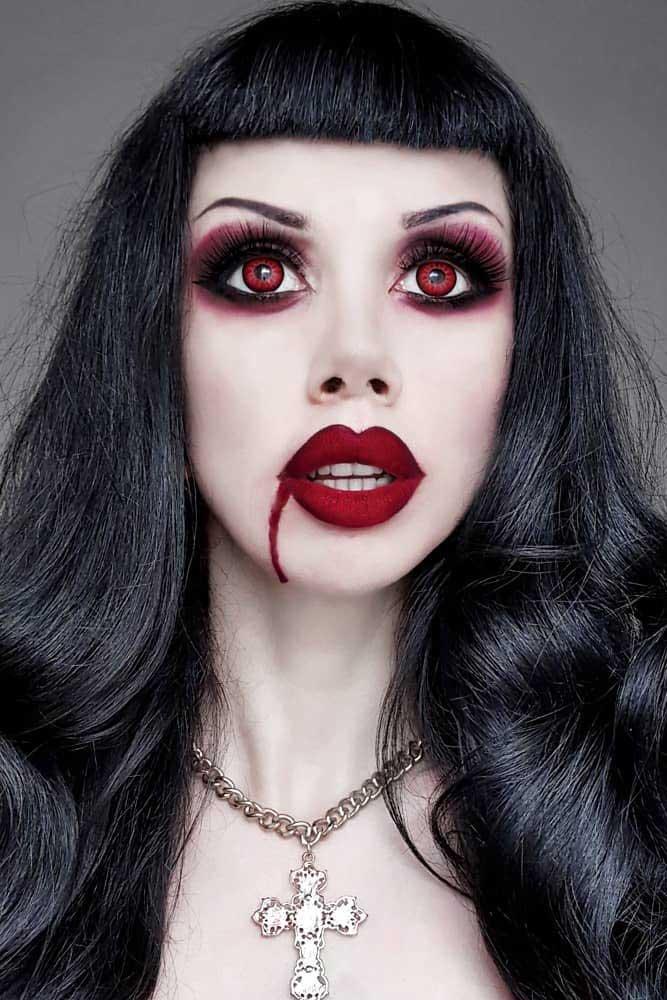 Bold Vampire Glam Idea #burgundysmokey #mattelips