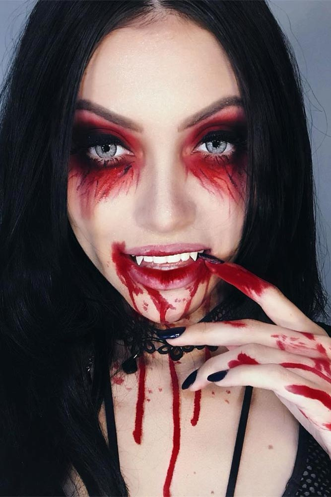 Bloody Creepy Vampire Makeup Idea #bloodymakeup