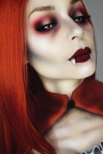 Bold Vampire Makeup With Teeth Art #vampireteeth