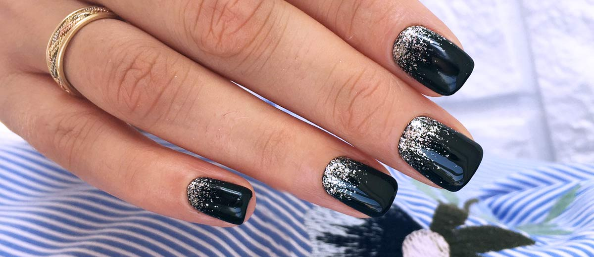 27 Black Glitter Nails Designs That Are More Glam Than Goth