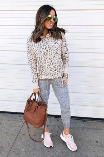 Leopard Sweatshirt With Pants Outfit #sneakers #leopardprint