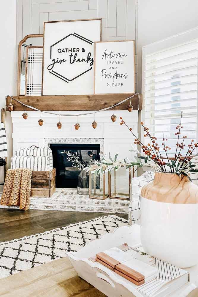 Fireplace Thanksgiving Decoration Idea #frames #banner