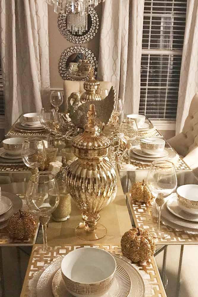 Gold Thanksgiving Table Decor #goldglitter #pumpkin