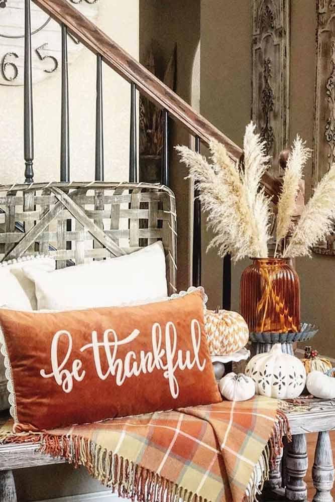 Thanksgiving Entryway Decoration #pillow #pumpkins