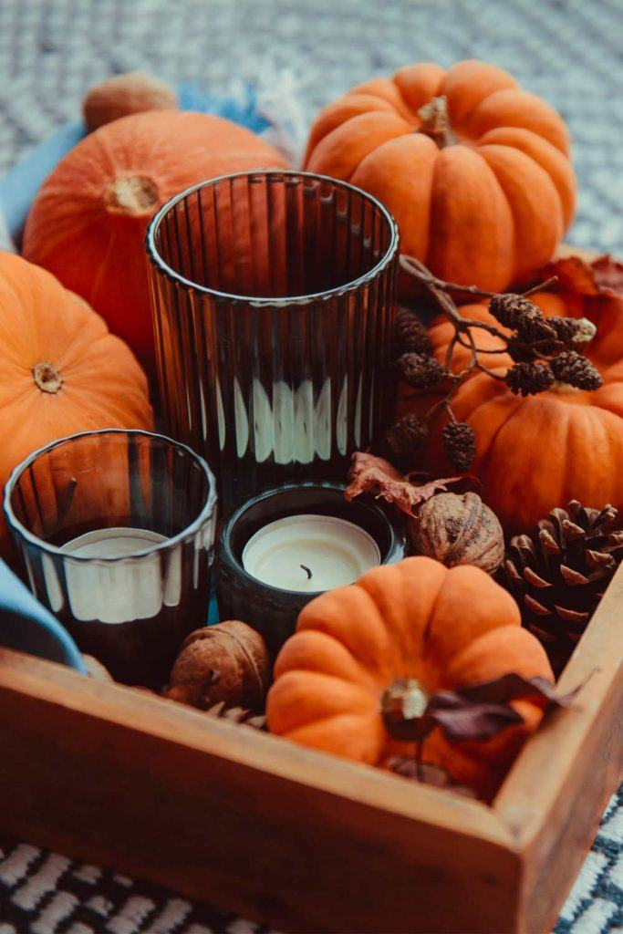 Table Thanksgiving Decoration Idea with Candles