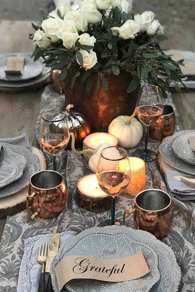 Thanksgiving Table Decor With Flowers And Pumpkins #pumpkins #flowers