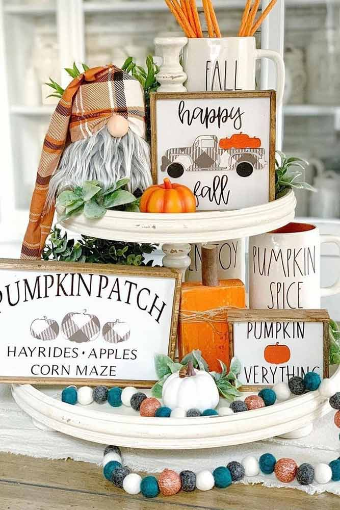 Tiered Tray Thanksgiving Decoration #tieredtray