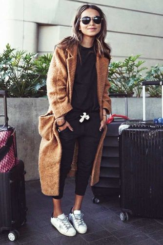 Fall Travel Outfit Ideas to Try This Season picture 5
