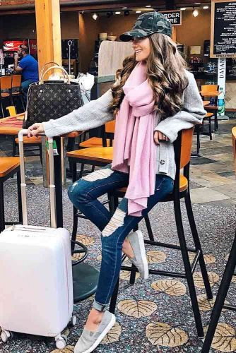 Trending Travel Outfit Ideas picture 6