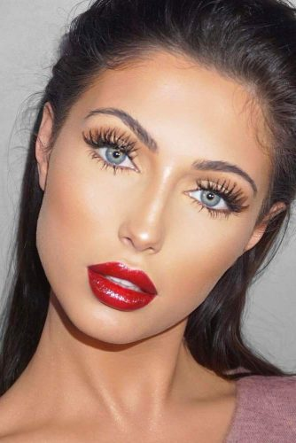 Elegant Makeup Ideas with Red Lips picture 1