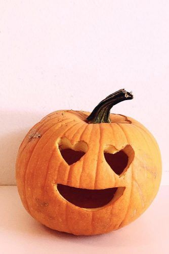 Emoji Heart Eyes Pumpkin Carving Idea #emojipumpkin