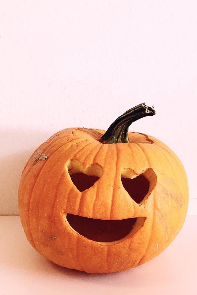 Emoji Heart Eyes Pumpkin Carving Idea #emojipumpkin