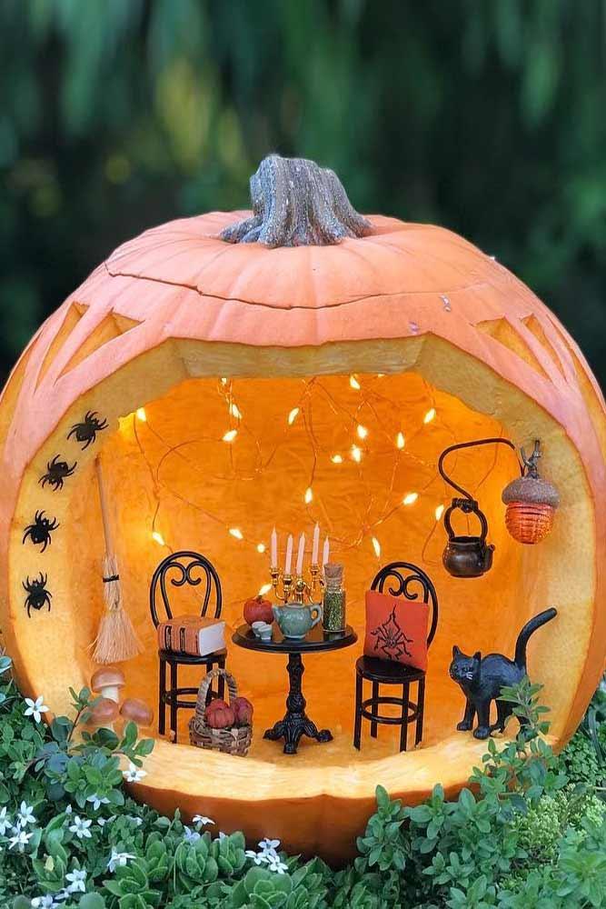 Pumpkin Diorama Carving Idea #diorama
