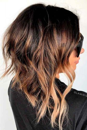 A-line Wavy Bob With Highlights #highlightshairstyles #bobhairstyles