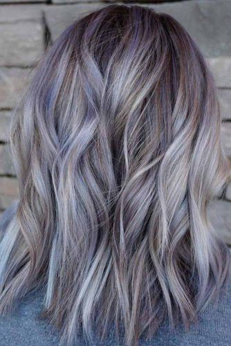 Trendy Pale Lavander Highlights #lavandehair #colorfulhair