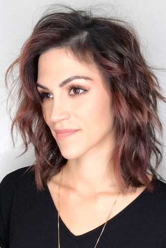 Stylish Hairstyles for Medium Length Hair picture 1
