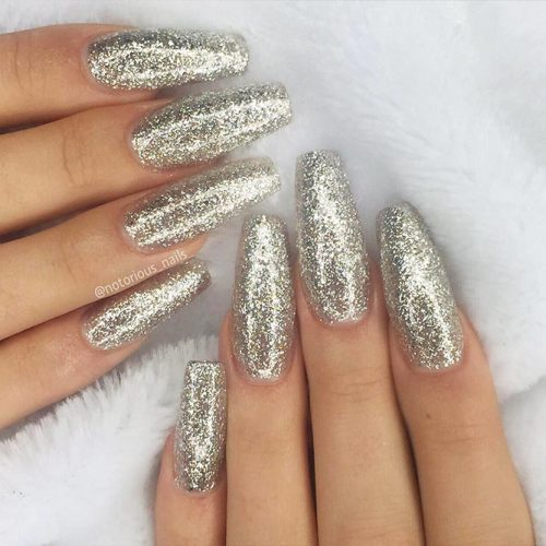 Cute Shimmer Nails for Any Occasion Picture 2
