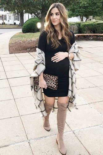 Elegant Dresses for Expectant Mothers picture 2