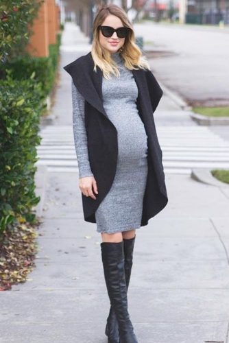 Elegant Dresses for Expectant Mothers picture 1