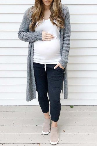 Comfortable Maternity Clothing for Everyday Wear picture 2
