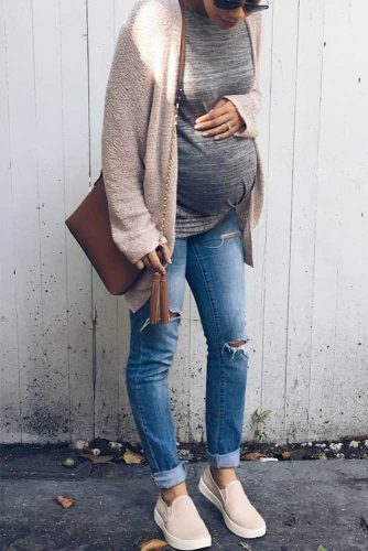 Comfortable Maternity Clothing for Everyday Wear picture 3