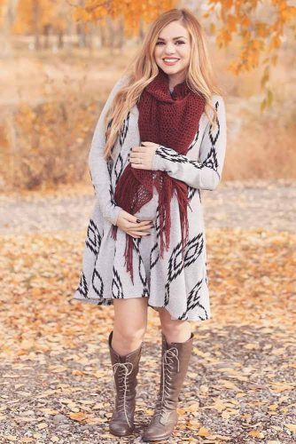 Elegant Dresses for Expectant Mothers picture 4