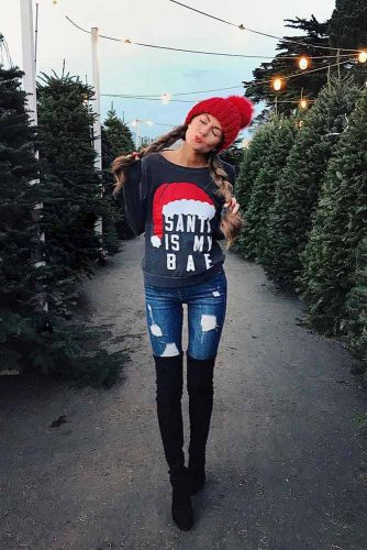 Cute Christmas Outfits With Sweater And OTK Boots #sweater #otkboots