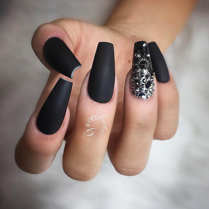 Matte Coffin Nails Design for Beautiful Look Picture 4