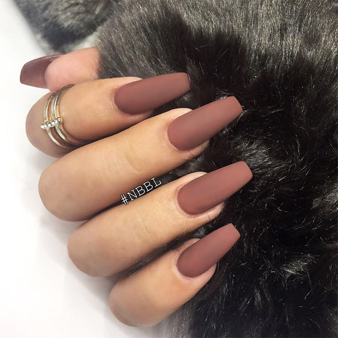 Matte Coffin Nails Design for Beautiful Look Picture 1